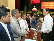 President meets with businesses in HCM City