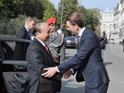 Vietnamese PM welcomed, has talks with Austrian Chancellor in Vienna