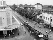 Precious images of heroic Hanoi