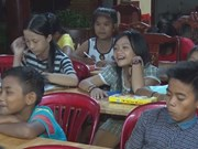 Makeshift class thrives at Binh Phuoc Pagoda