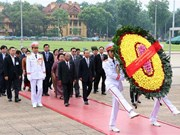 Cambodian top legislator pays tribute to President Ho Chi Minh