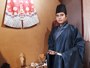 Reviving ancient Vietnamese cross collared robes