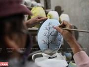 Bat Trang porcelain lamps