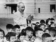 President Ho Chi Minh: Children's beloved uncle