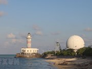 Lighthouses affirm Vietnam's sovereignty over seas and islands