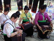 Market introduces ethnic groups' traditional culture