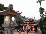 Huong pagoda welcomes flocks of tourists