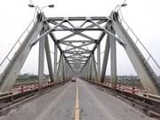 Hanoi bridges empty as people practice physical distancing