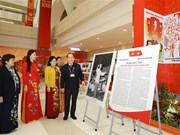 VNA's photo exhibition lures delegates to Congress