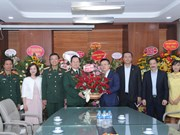 Vietnam News Agency delegation visits health facilities on Doctors' Day