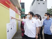 Legislative leader inspects election preparations in Tuyen Quang province