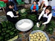 Chung cake making village hustles ahead of Tet