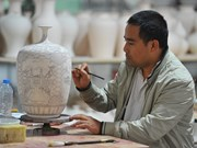 Artisan restores ancient pottery craft