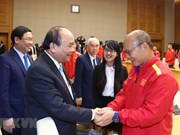 Prime Minister Phuc welcomes national football squad