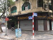 Hanoi closes sidewalk eateries, cafés to curb COVID-19 spread