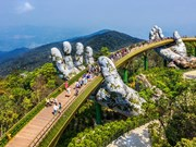 Golden Bridge named world's new wonders by UK daily