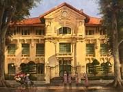 Paintings spotlight Hanoi in golden sunshine
