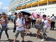 Bahamas-flagged luxury liner docks in Thua Thien-Hue