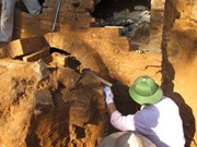 Quang Ninh: 2,000 year-old tombs discovered