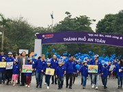 Yamaha Motor Vietnam gifts 11,000 helmets to students