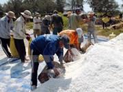 Salt aid delivered to flood-hit people in Ha Tinh