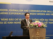 Vietnam, Sweden share modern journalism, communication skills