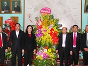 Hanoi authorities congratulate parishioners on Christmas