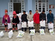 Vietnam Red Cross aims at one million Tet gifts for the poor