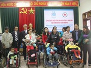 Japan charity presents wheelchairs to Thanh Hoa's disabled children