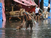 Typhoon Nock-Ten hits Philippines, killing three