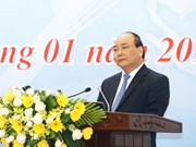 PM urges shift to innovation industries