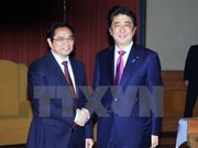 Japanese PM wishes to help Vietnam with human resources training