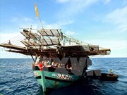 Phu Yen hands over Filipino fishermen