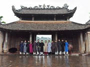 Men encouraged to wear traditional long dress