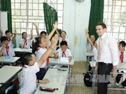 Bac Giang to allow foreign teachers to teach English at schools
