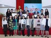 Int'l experts honoured for help to Vietnamese women