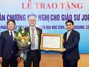 French professor receives Vietnam's Friendship Order