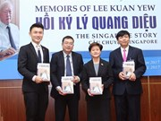 Lee Kuan Yew memoirs launched in Vietnamese