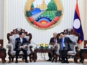 Lao Prime Minister highlights financial cooperation with Vietnam