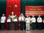 Laos awards medals to Da Nang's volunteer soldiers