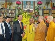 President visits Vietnam Buddhist Sangha Supreme Patriarch