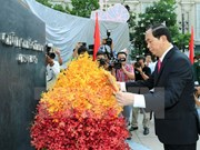 State leader pays homage to late President Ho Chi Minh