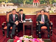 Cambodian front official meets with Hanoi officials
