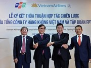 Vietnam Airlines, FPT sign cooperation agreement