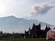 Indonesia: Marapi volcano in West Sumatra erupts