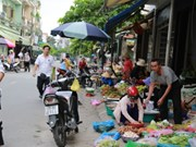 HCM City plans to clear illegal street markets