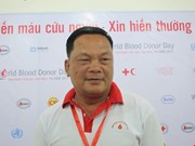 Vietnam honours 100 outstanding blood donors