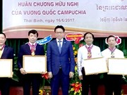 Thai Binh University of Medicine and Pharmacy honoured by Cambodia