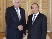 PM Nguyen Xuan Phuc meets with leaders of Hessen state