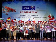 Vietnamese young expats join summer camp in Mekong Delta